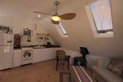02_attic_apartment_kitchen
