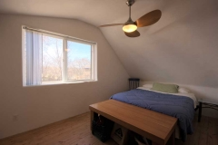 06_attic_apartment_bedroom_01